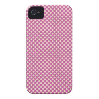 Purple Dots Design Case Mate  iPhone 4 Case