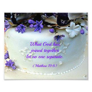 Purple flowers wedding cake with Bible verse Photograph
