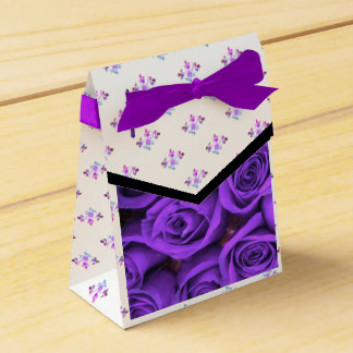 Purple Rose Motif accent Rose Vine on Favor Box