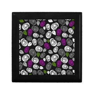 Purple roses pattern gift box