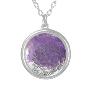 Purple sends it silver plated necklace