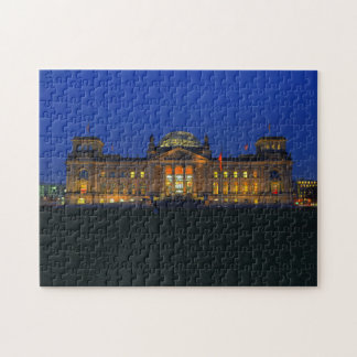 Puzzle Berlin Reichstag in the evening