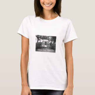 PYRAMID AT BONAVENTURE CEMETERY SAVANNAH T-Shirt