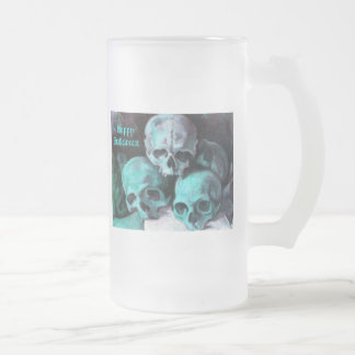 Pyramid of Skulls 16 Oz Frosted Glass Beer Mug