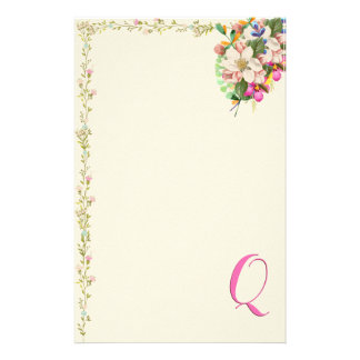 Q Monogram Floral Bouquet Stationery