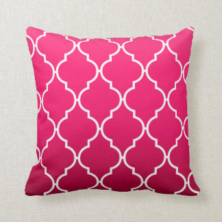 Quatrefoil Ombre Geometric | fuschia Throw Pillow