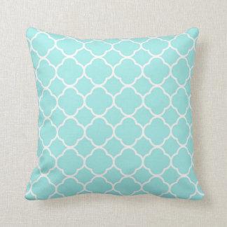Quatrefoil Pattern Blue White aqua design Throw Pillow