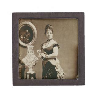 Queen Emma (1836-85) (sepia photograph) Premium Gift Boxes