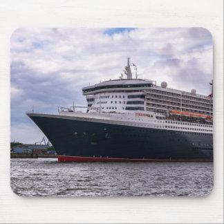 Queen Mary im Hafeneinlauf Mouse Pad
