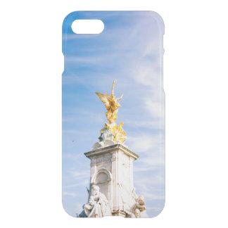 Queen Victoria Memorial Statue, London UK iPhone 7 Case
