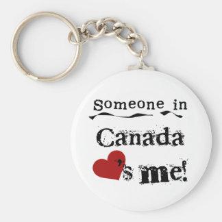Quelqu'un au Canada m'aime Porte-clé Rond