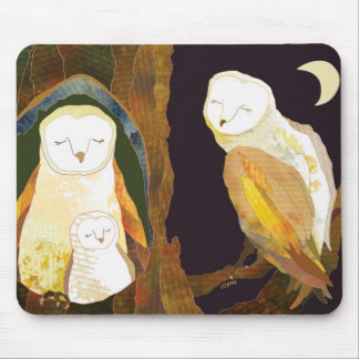 Quiet Time of Cute Owl Family Mouse Pad