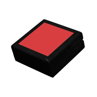R05 Radiantly Confident Red Color Jewelry Box