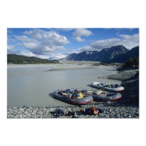 Rafting the Alsek River downstream Photographic Print