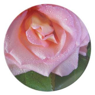 raindrop-rose plate
