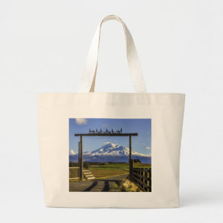 RANCH VIEW OF SHASTA LARGE TOTE BAG