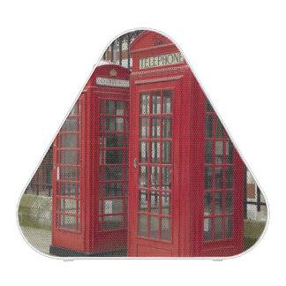 Rangée des boîtes de téléphone au fond du royal haut-parleur bluetooth