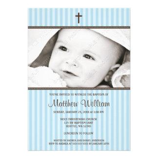 Rayures bleues et baptême croisé de photo de garço invitations personnalisées