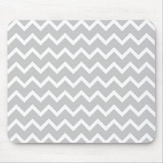 Rayures grises et blanches de zigzag tapis de souris