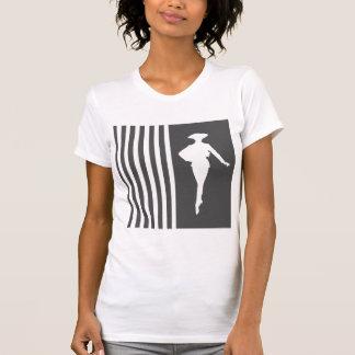 Rayures modernes de charbon de bois avec la t-shirt