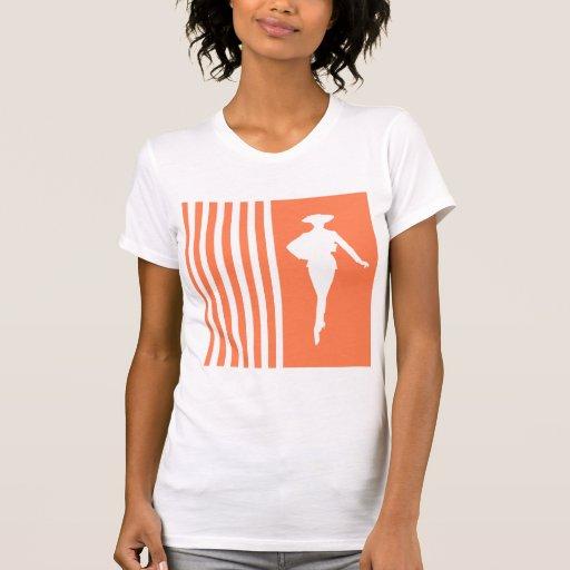 Rayures modernes de corail avec la silhouette de m t-shirts
