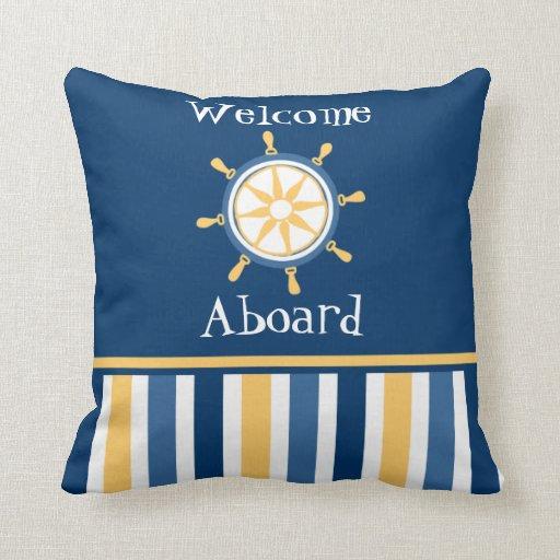 Rayures nautiques bleues de roue d'or de marine oreiller