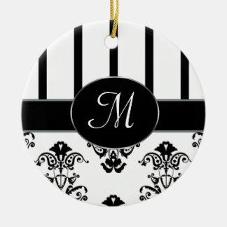 Rayures noires et blanches, le baroque de monogram ornements