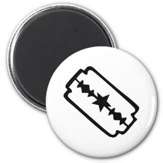 Razor blade magnet