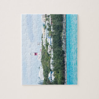 Read and White Lighthouse Puzzle