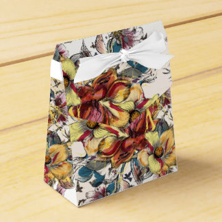 Realistic drawn floral bouquet and birds pattern favor box