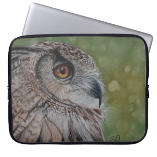 Realistic owl painting on laptop sleeve