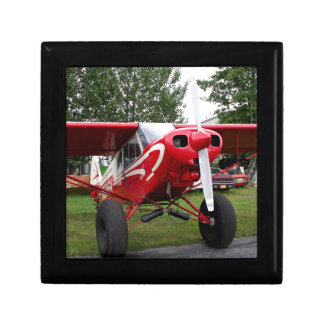 Red and white aircraft, Alaska Gift Box