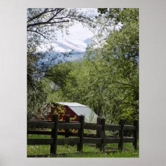 Red Barn Decorator Print