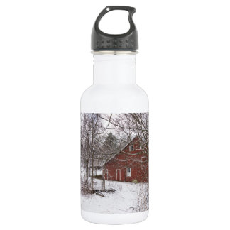 Red Barn In The Snow 532 Ml Water Bottle