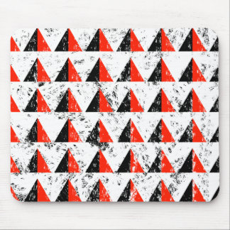 Red Distressed Triangle Pattern Mouse Pad