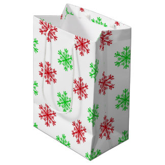 Red green snowflake pattern medium gift bag