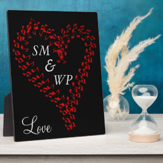 Red Heart Couple's Monogrammed Easel Plaque