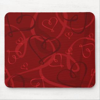 Red heart pattern mouse pad