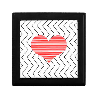 Red heart - Zigzag geometric pattern - black. Gift Box