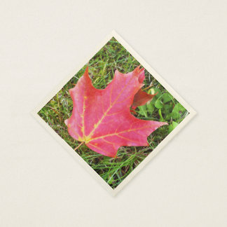 Red Maple Leaf on Grass Paper Napkins