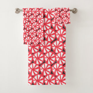 red pinwheels bath towel set