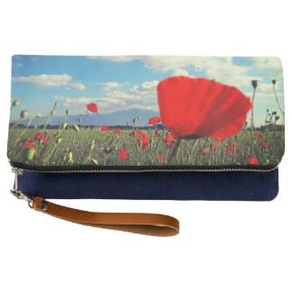 red poppies clutch