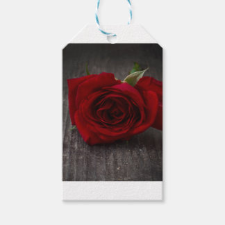red rose background gift tags