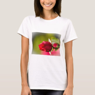 Red rose close up design T-Shirt