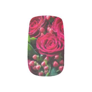 Red roses minx nail art