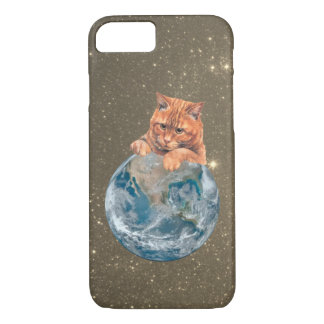 Red tabby cat playing, catching the earth iPhone 8/7 case