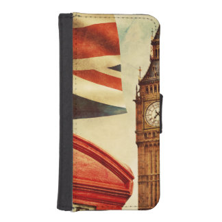 Red telephone booth and Big Ben in London, England iPhone 5 Wallets
