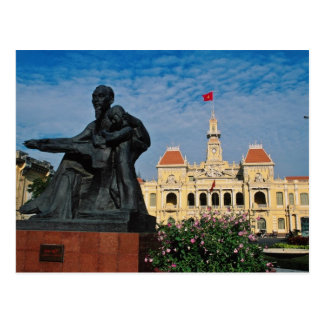 Red Uncle Ho statue, Ho Chi Minh flowers Postcard