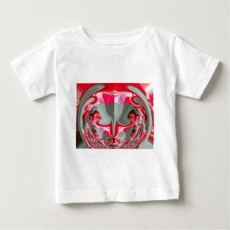 Red Vintage Hakuna Matata round cool gifts. Shirt