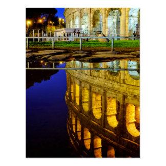 Réflexion du Colosseum Cartes Postales